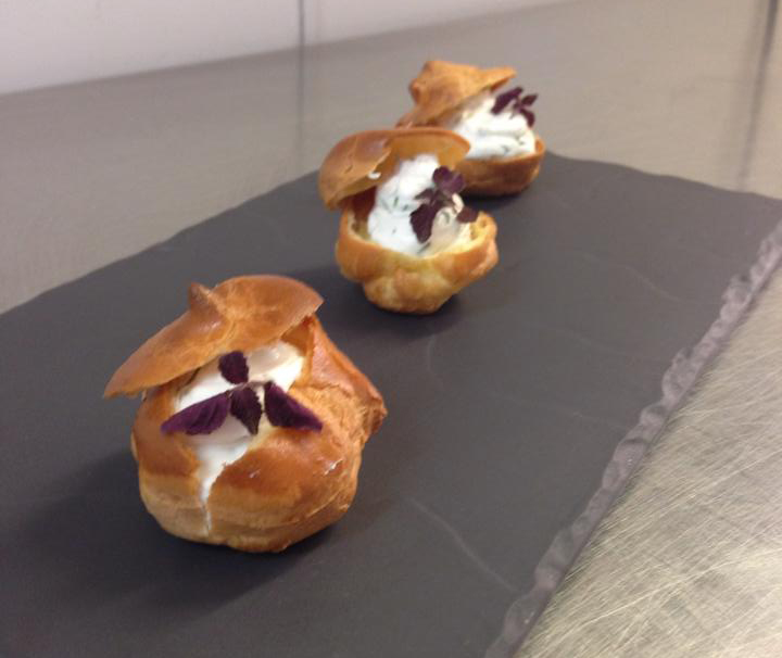 Savoury choux pastry canapes for Puff pastry canape ideas