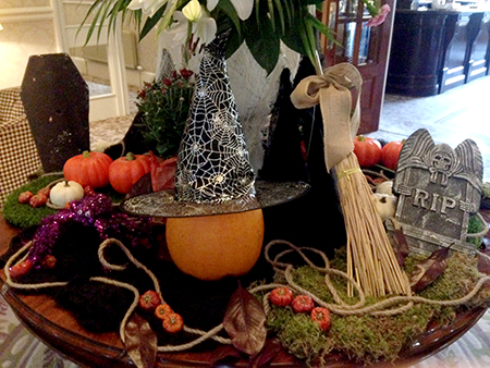 Halloween Display at the Inn on the Lake