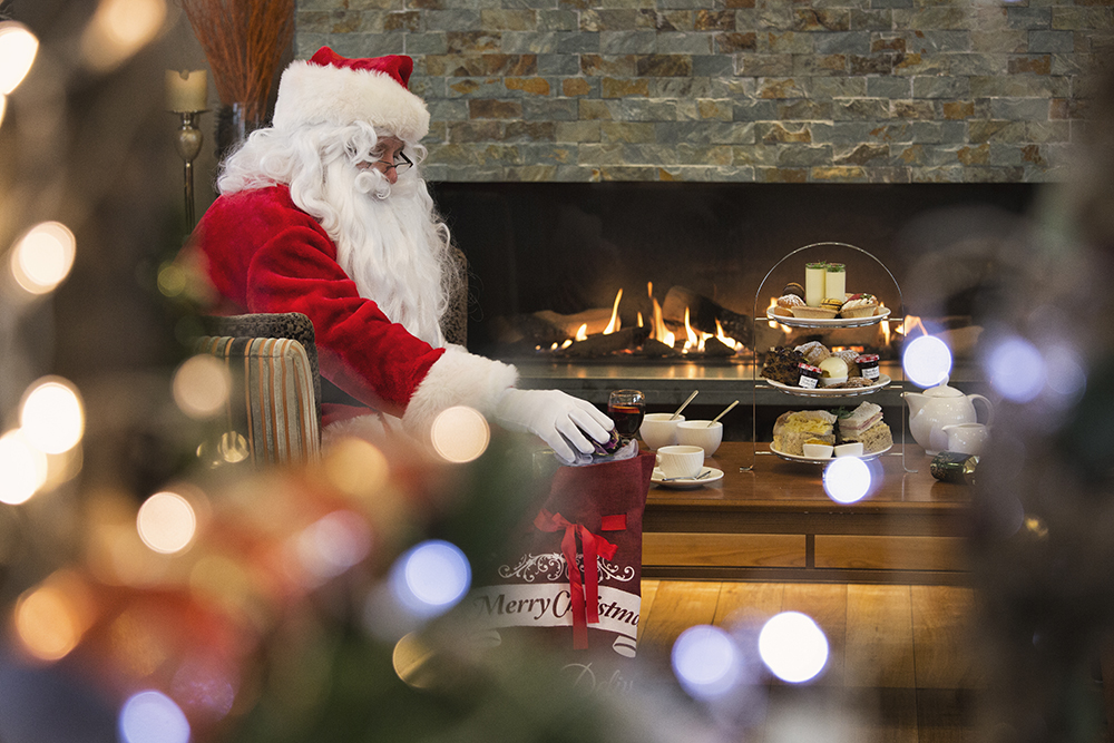 Santa's Afternoon Tea & Lake Cruise at Inn on the Lake